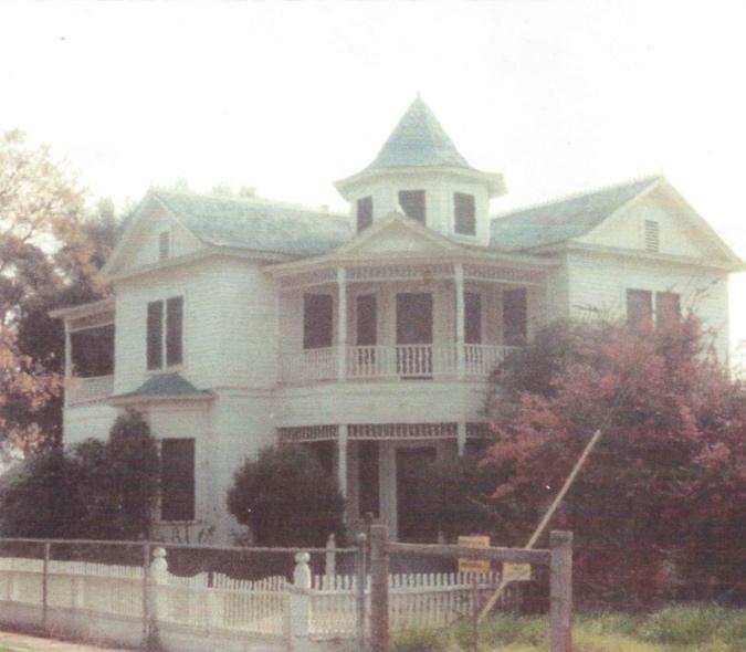 hilliard-house-sm.jpg